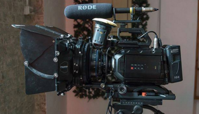 Blackmagic Design URSA Mini 4.6K EF – Body ONLY + V-Lock Mount