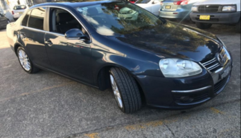 AUTO VW JETTA LEATHER/SUNROOF/ALLOYS