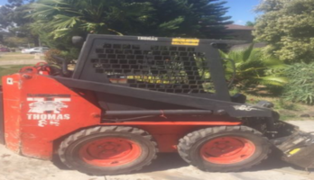 Thomas skid steer bobcat (Year 2002)