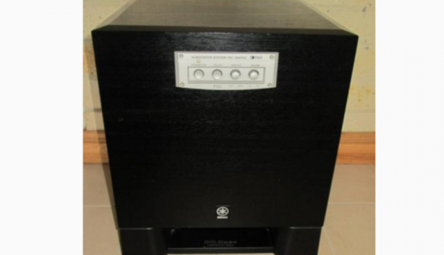 YAMAHA YST-SW515 10inch Sub-woofer RRP $999 sell $500 perfect cond
