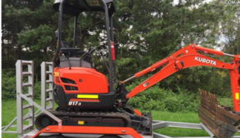 1.7T Kubota excavator for wet/dry hire