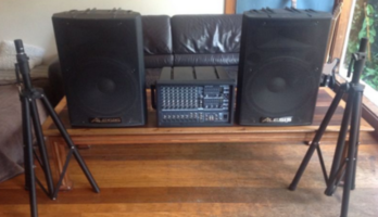 PA System Yamaha Alesis 300watt Speakers Stands and cables